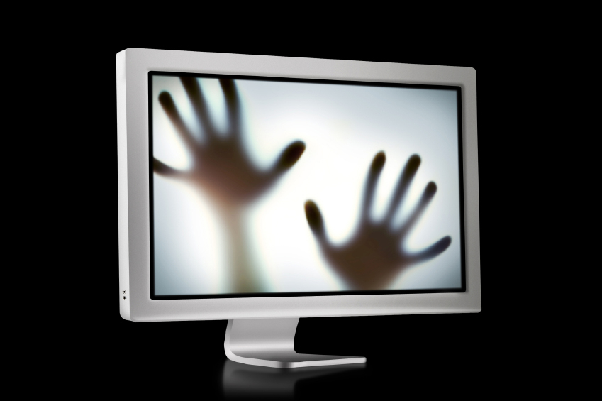 hands in monitor